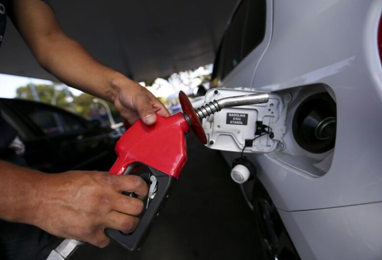 Petrobras anuncia queda nos preços da gasolina e do diesel