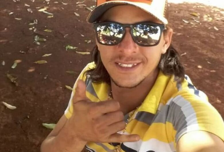 Jovem morre atropelado durante protesto de caminhoneiros em estrada da região