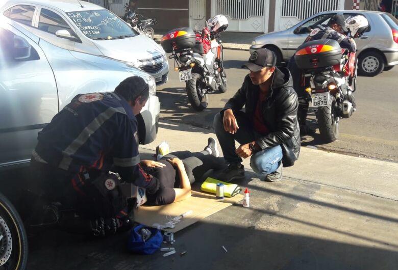 Acidente deixa motociclista ferida na Vila Prado