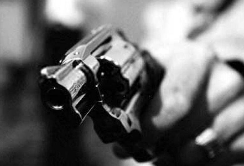 Idosa de 96 anos é brutalmente agredida em assalto no Jardim Bandeirantes