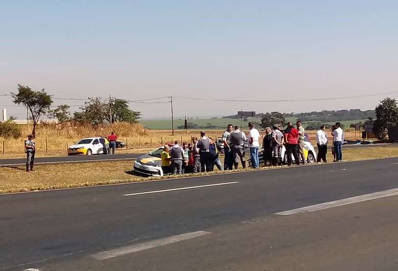 Mobilização dos caminhoneiros continua nas estradas da região; confira a atualização