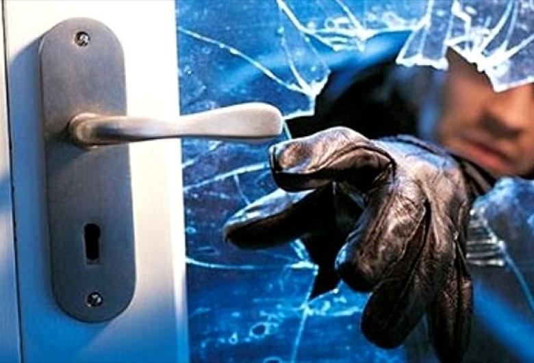 Morador esquece de trancar a porta e ladrão aproveita