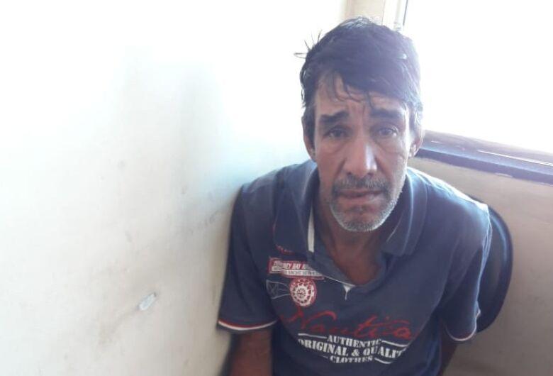 Procurado por furto é preso perto da rodoviária