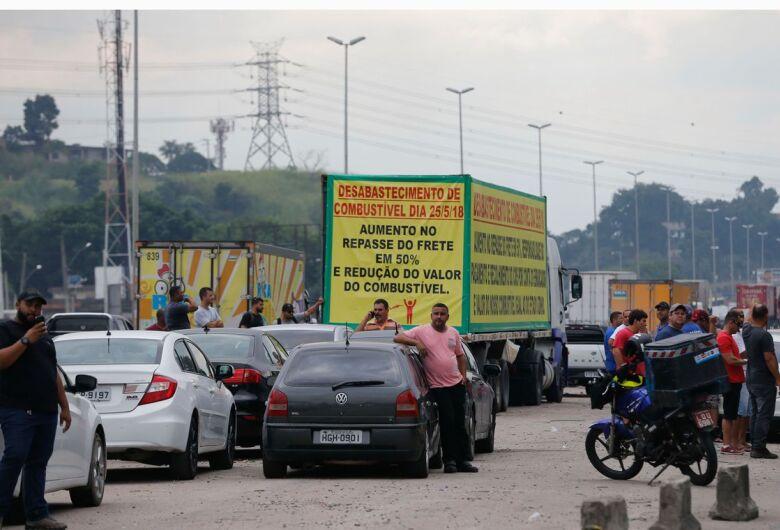 Urgente: Greve dos caminhoneiros é suspensa por 15 dias