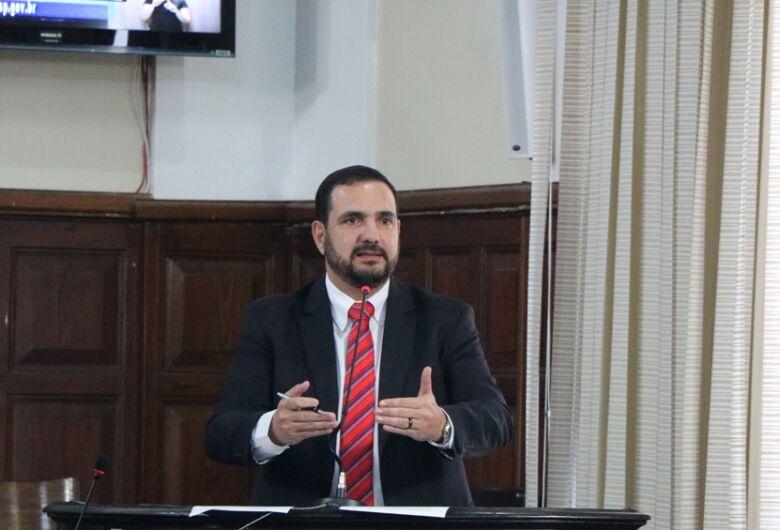 Julio Cesar solicita providências na entrada da Quinta dos Buritis