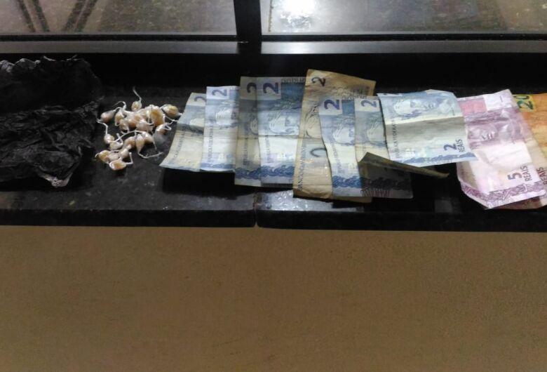Rocam detém adolescente por tráfico na Vila Morumbi