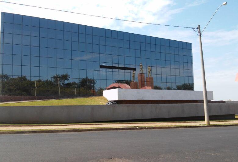 Prefeitura de Ibaté deve inaugurar novo prédio no domingo (24)