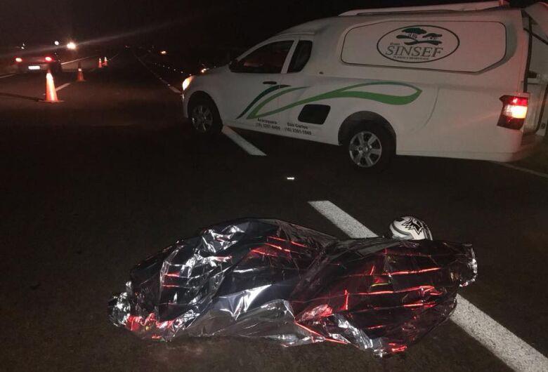 Jovem morre atropelado na rodovia SP-255