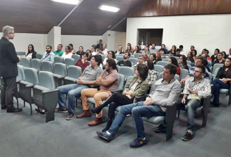 Acisc e Boa Vista SCPC realizam palestra para empresários e associados