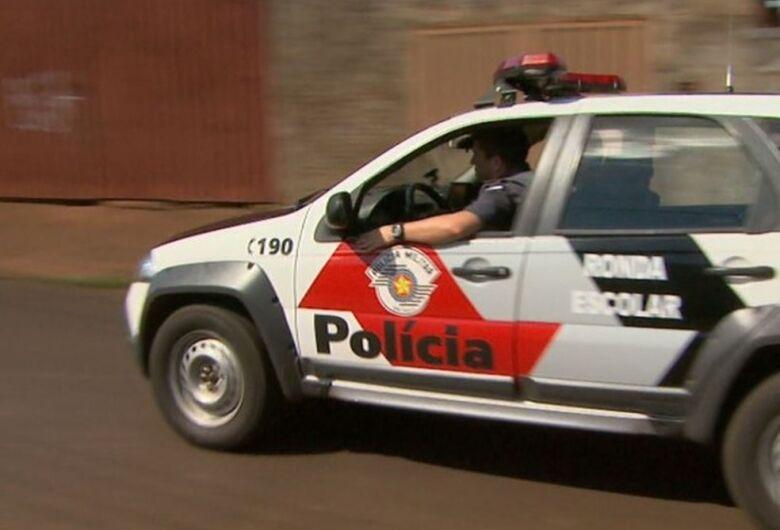 Homem acusado de assaltar farmácia é detido pela PM