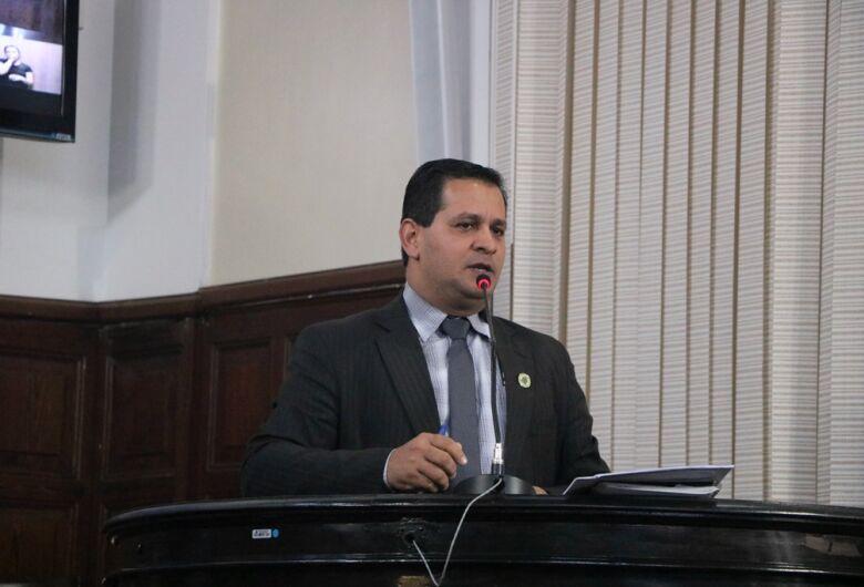 Vereador Roselei solicita informações sobre prédio e funcionamento do CAPS III