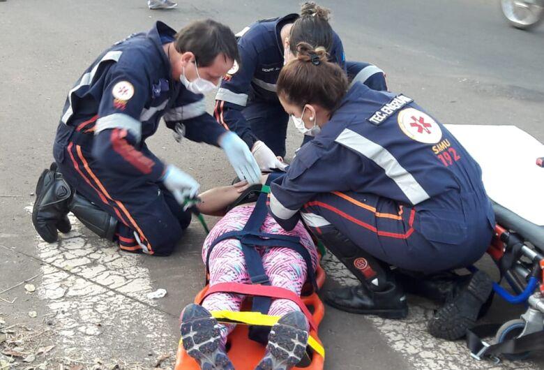 Motociclista fica ferida após colisão na região da USP