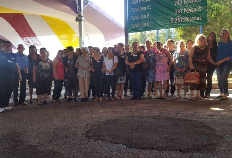 Frequentadores do Centro de Convivência da Melhor Idade de Ibaté visitam Ibitinga