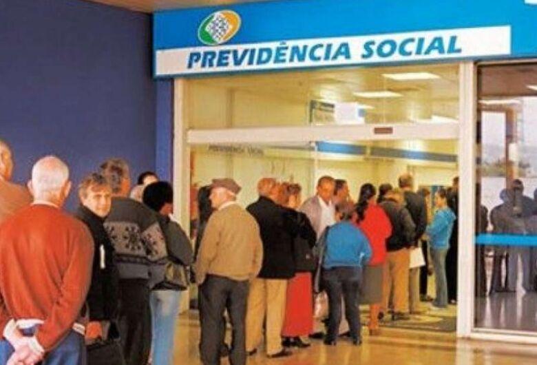 Governo antecipa primeira parcela do 13º de aposentados e pensionistas
