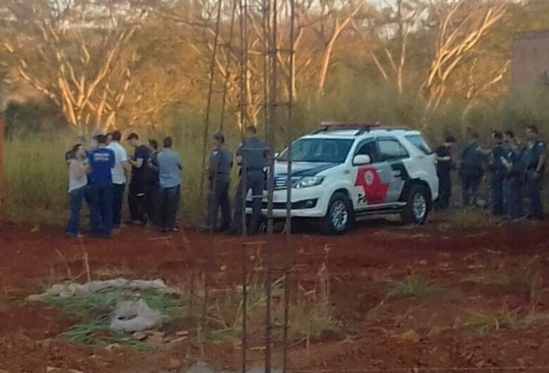 Assaltante morre durante troca de tiros com a PM