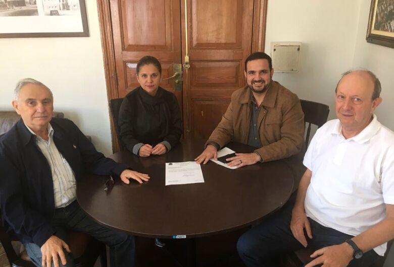 Julio Cesar destina recursos a Apae e Acorde