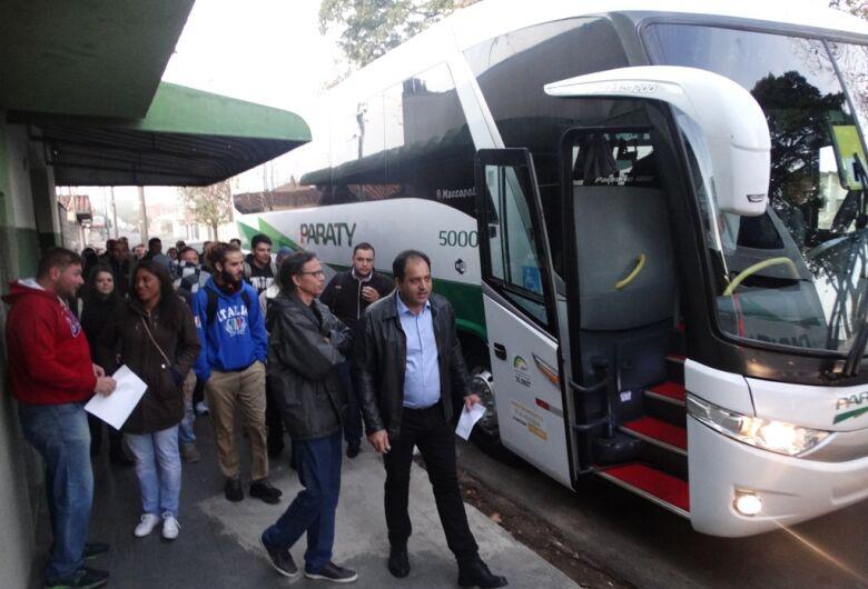 Vereador Sérgio Rocha acompanha marceneiros em feira internacional