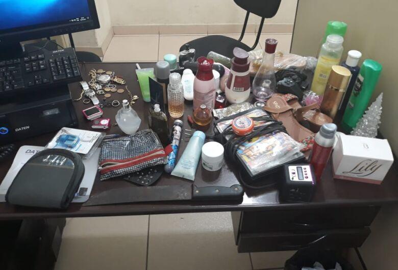 Suspeito de furto é flagrado em telhado de residência no Cidade Aracy