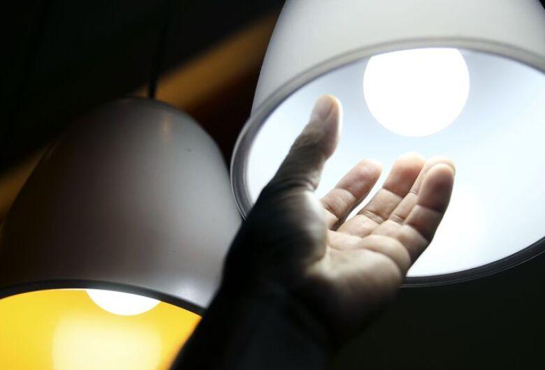 Aneel aprova reajuste nas contas de luz em seis estados; Um deles é São Paulo