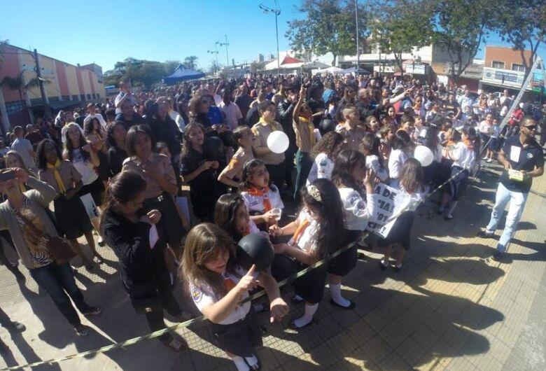 Quebrando o Silêncio promete agitar o sábado na praça do Mercadão