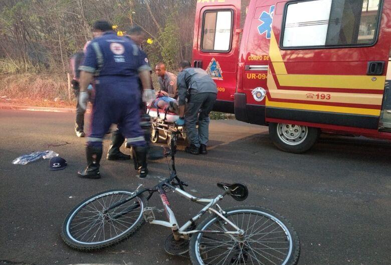 Ciclista sofre vários ferimentos após acidente no Medeiros