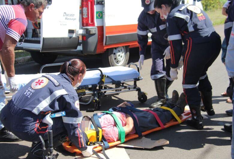 Ciclista idoso fica ferido após colisão na Comendador Alfredo Maffei