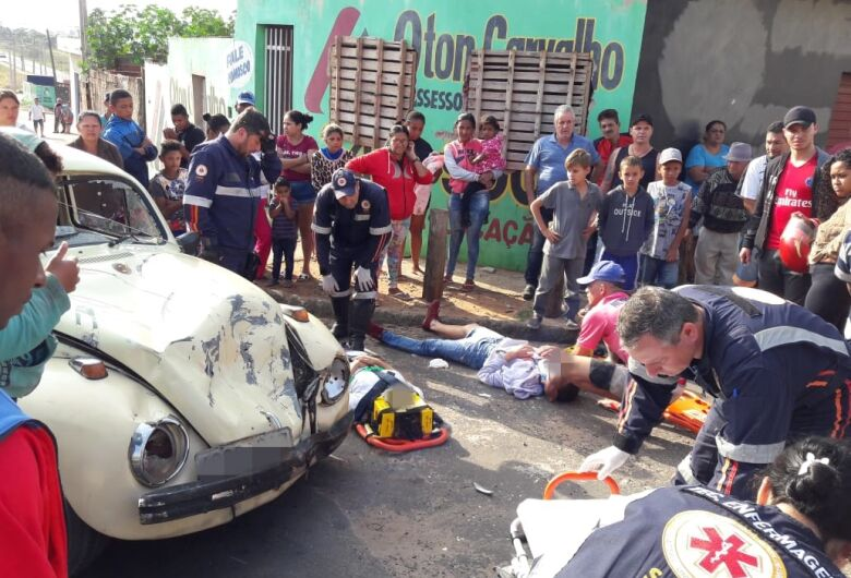 Violenta colisão deixa casal ferido no Antenor Garcia