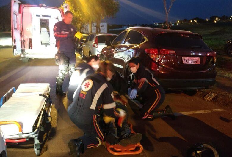 Motoboy bate na traseira de carro na região do SESC