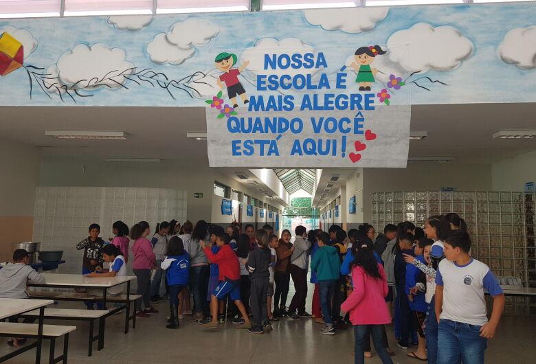 Escola Municipal de Ibaté celebra Dia do Estudante