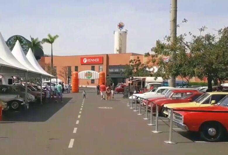 Mostra de Carros Antigos começa hoje (17) no Iguatemi