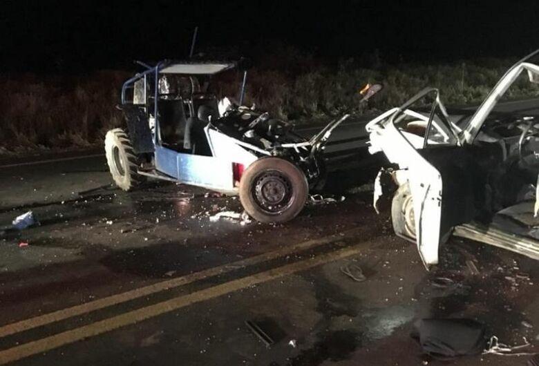 Motorista acusado de embriaguez provoca colisão e mata pai e filho em acidente trágico