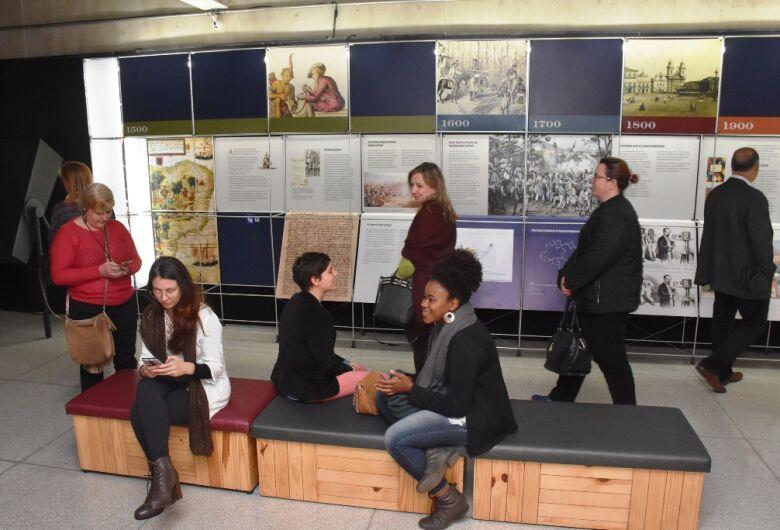 Exposição da Língua Portuguesa pode ser visitada no Teatro Municipal