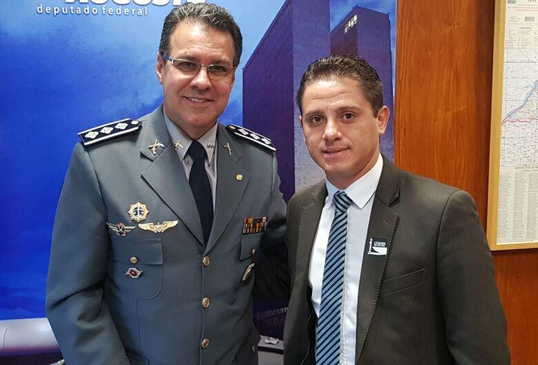 Paraná Filho solicita recursos ao deputado Capitão Augusto para aquisição de motoniveladora