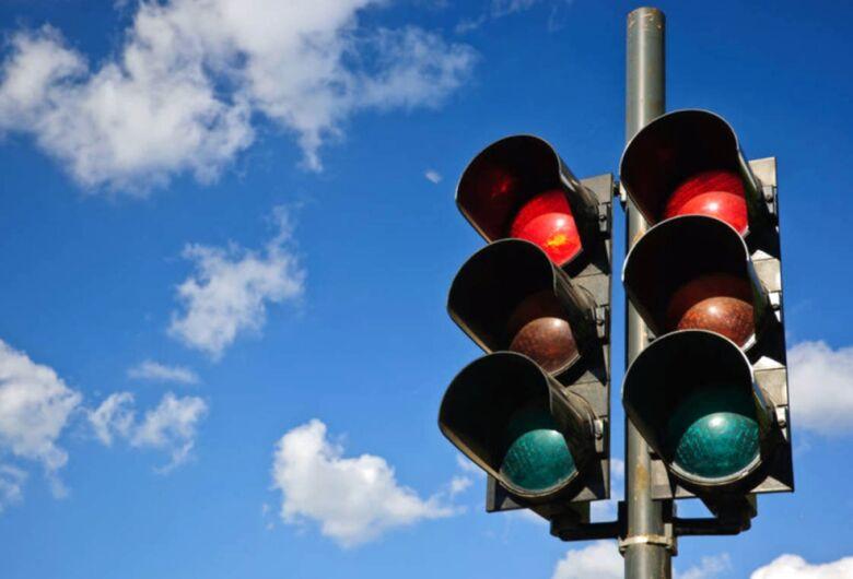 Vereador pede semáforo em cruzamento das ruas Marino da Costa Terra e Lourenço Innocentini