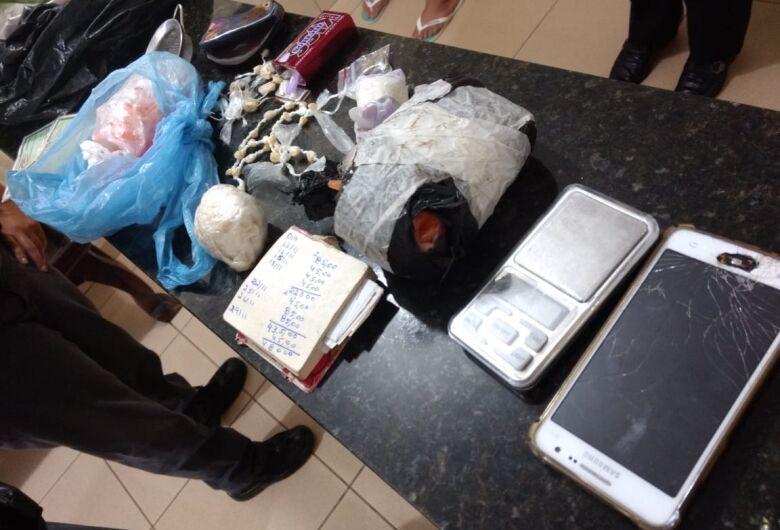 Polícia Militar apreende cocaína e crack no Jardim Gonzaga