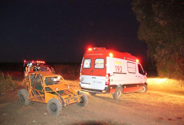Acidente com 'gaiola' deixa dois feridos na área rural