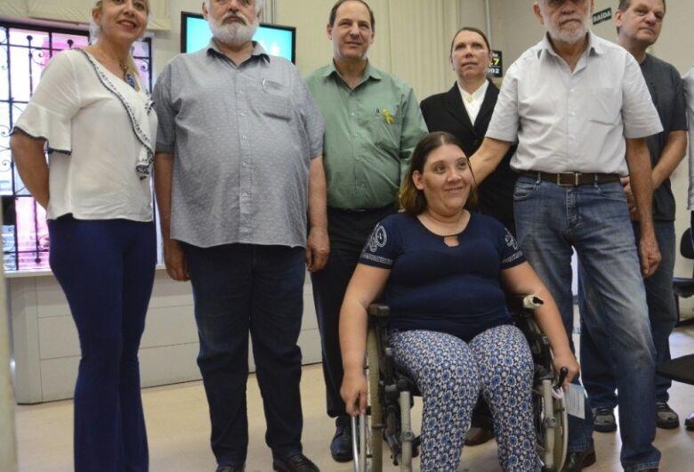 """Dia """"D"""" oferece 14 vagas de emprego e encaminha 38 pessoas com deficiência para processo seletivo"""