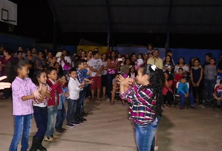 Escolas municipais de Ibaté realizam a Festa da Família