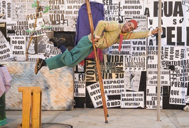 Morador em situação de rua revela habilidades circenses no Sesc São Carlos
