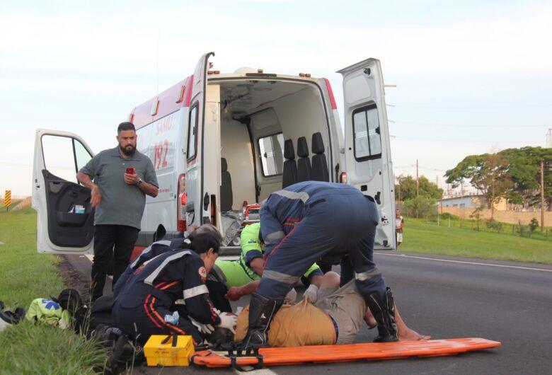 Idoso sofre ferimentos graves após ser atropelado por carro na Washington Luis