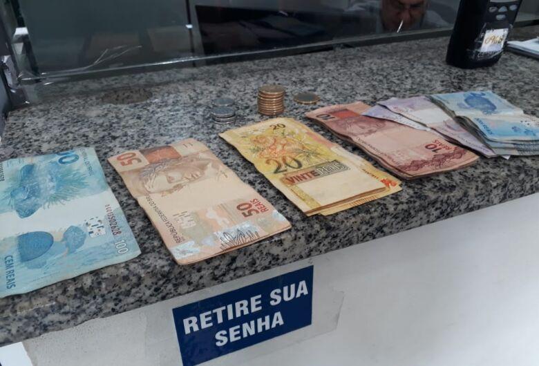 Acusada de roubo, dupla de adolescentes é detida pela PM