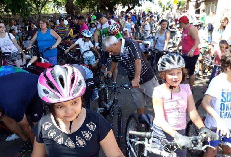 Passeio ciclístico e caminhada marcam 20 anos da Emeb Antonio Stella Moruzzi