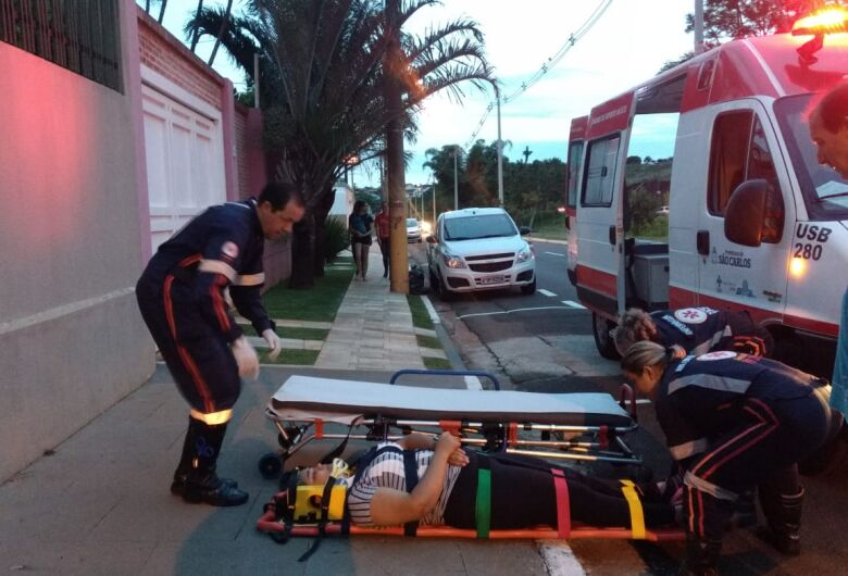 Motociclista sofre queda na Comendador Alfredo Maffei