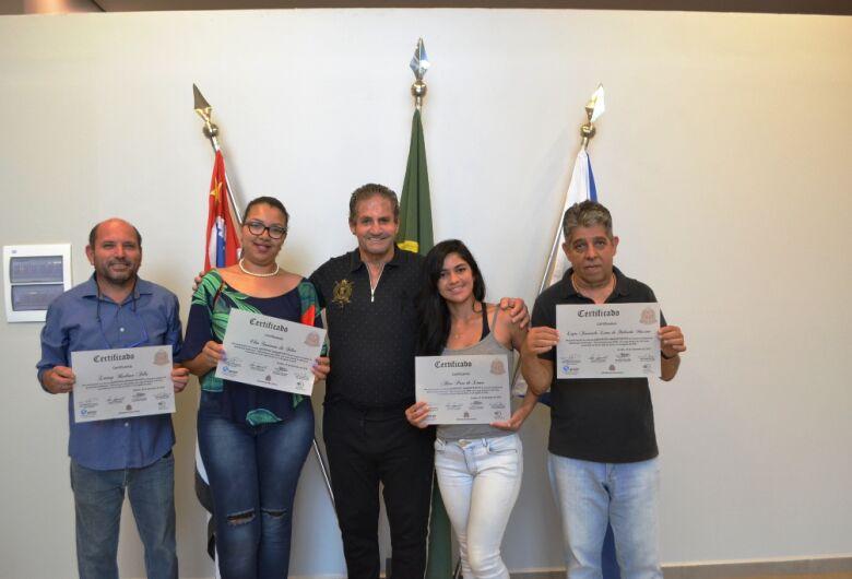 Ibateenses se formam no curso de auxiliar administrativo