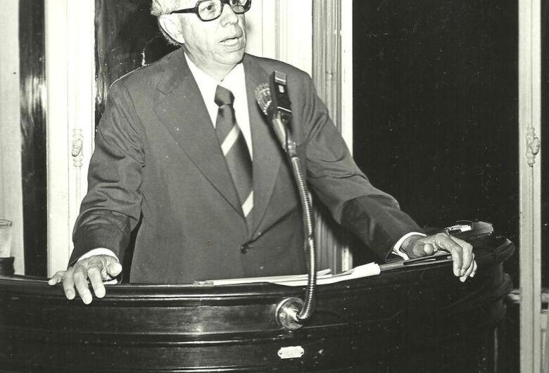 Dr. Álvaro Giongo, um ilustre vizinho