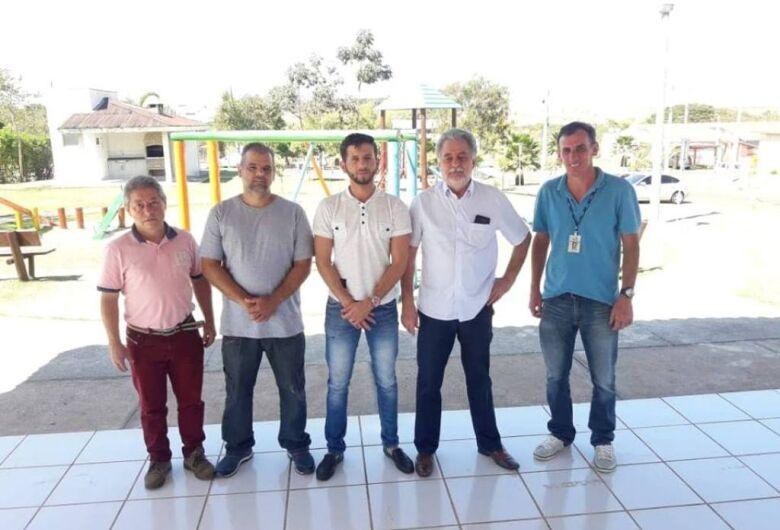 Vereador Elton Carvalho indica melhorias nos entornos do condomínio Moradas e é atendido pela Prefeitura e Saae