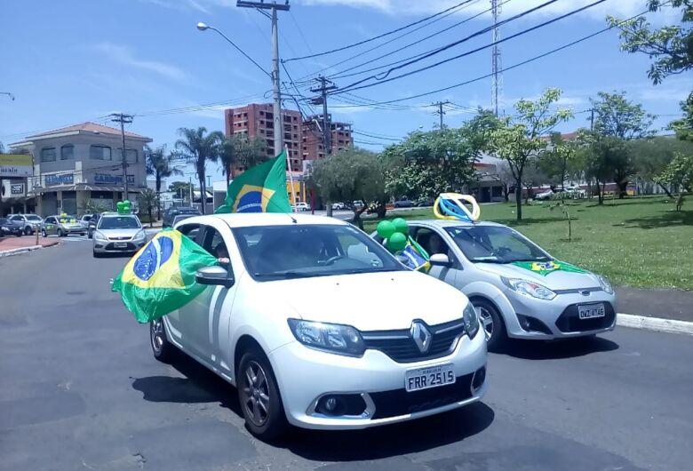 Atos a favor e contra Bolsonaro marcam o final de semana em São Carlos