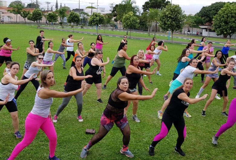 Festival de Zumba coloca público para dançar na Fesc