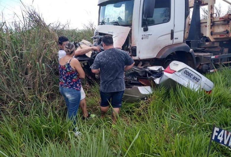 Duas pessoas morrem em grave acidente em cidade da região