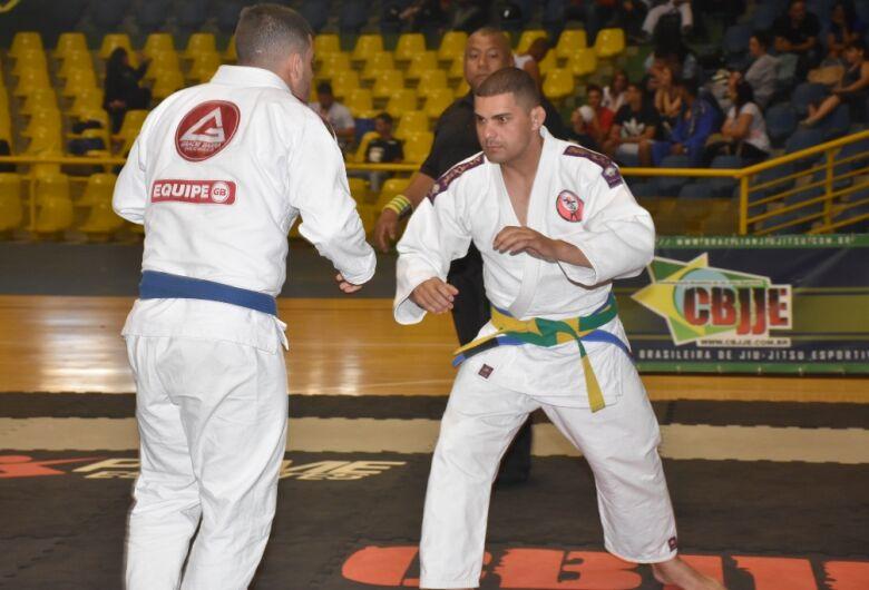 Milton Olaio Filho reúne atletas de todo o Estado